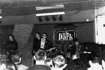 In the Dark en directo en La Buhonera